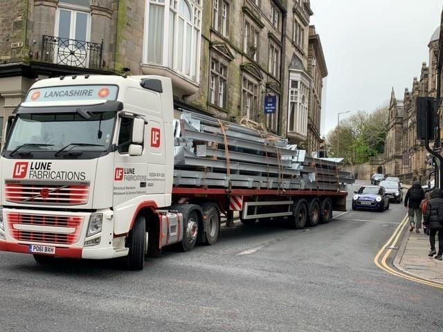 An HGV attempting to join the gyratory system. Photo by Amy Stanning